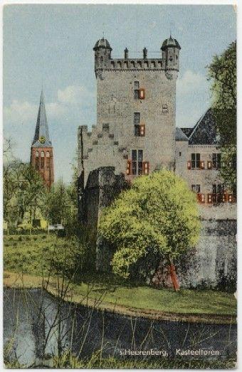 Kasteel Huis Bergh,  het is gebouwd in Gelderland, Nederland. De stichters zijn Heren Van Der Bergh. De plaats waar het staat is s-Heerenberg. Het bouwconcept is Donjon in weermuren. Het type kasteel is een Waterburght.(slot)