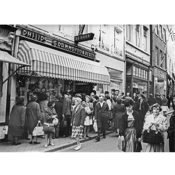 """On a day like this in July 1976... Musicstore De Harp at the Spilstraat in Maastricht closed its doors for the last time. The store opened in May 36 by 'ome' Henk and Elly Severs and was for many years the hotspot for music loving #Mtricht"""""""