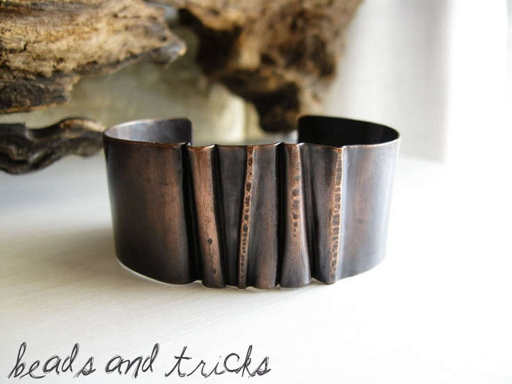 Foldformed copper cuff. Handmade by Beads and Tricks