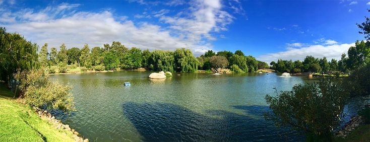 things you must do in cape town south africa - Spier Stellenbosch Lake