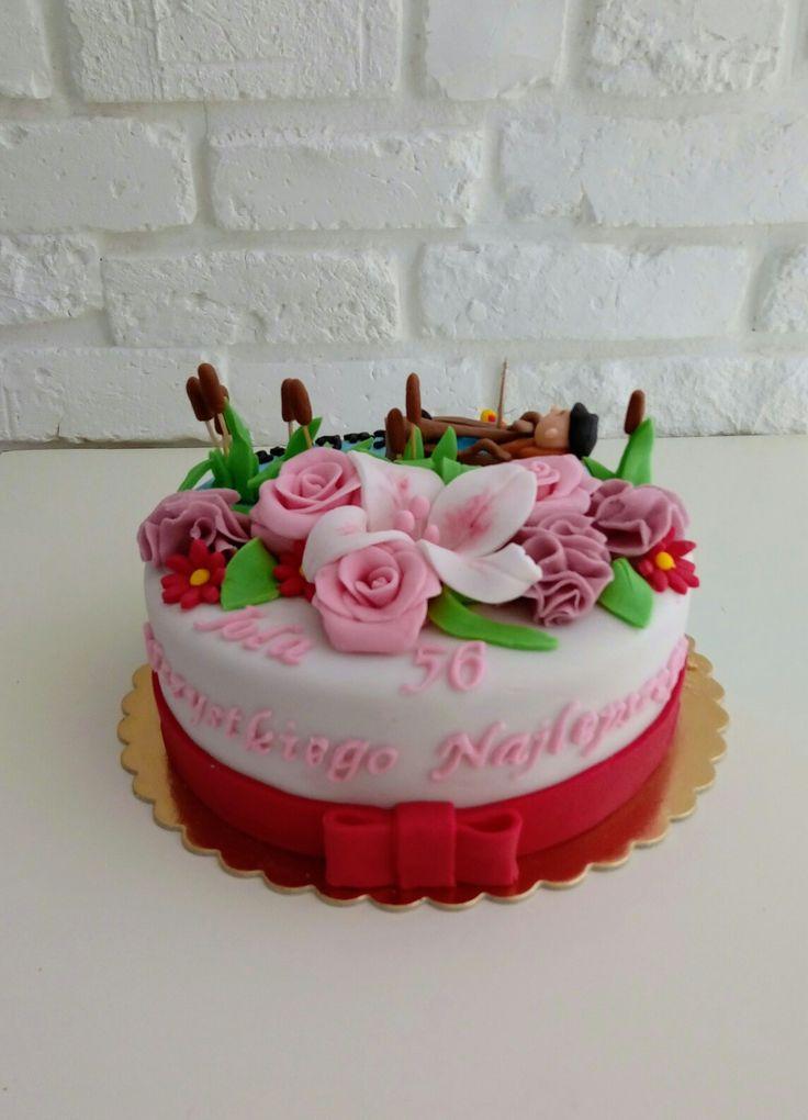 Tort urodzinowy z kwiatami