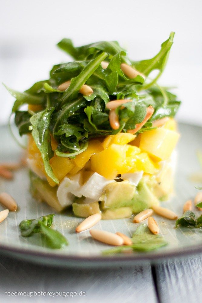 Avocado-Mango-Mozzarella-Salat_Rezept Feed me up before you go-go-2