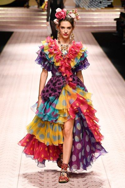 Dolce   Gabbana Spring 2019 Ready-to-Wear Fashion Show   Fashion and ... 6b64ecbb223e