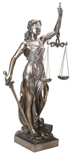"""Virtudes, Vícios E Pecados...  """"Senhora Justiça"""", escultura."""