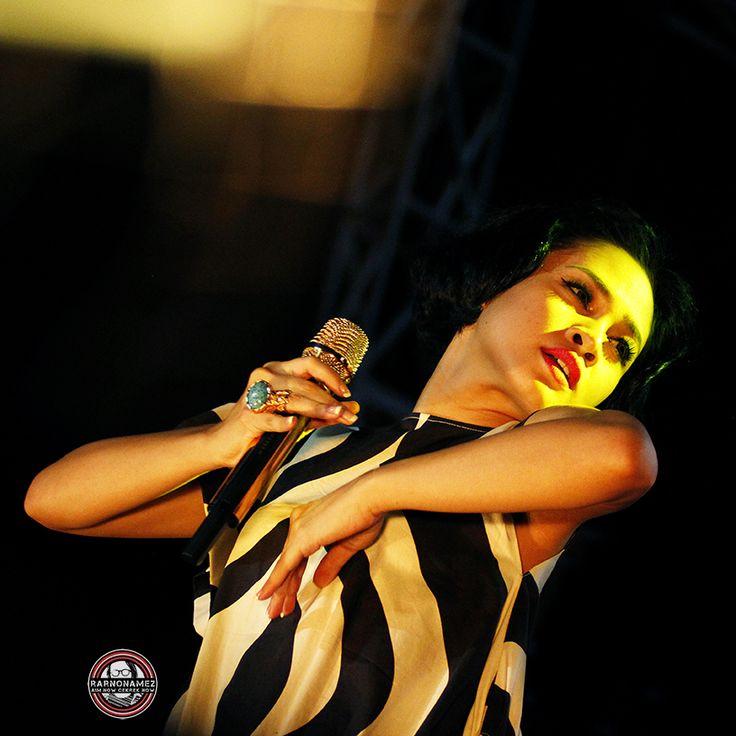 Andien Aisyah, Lahir di Jakarta, 25 Agustus 1985,  adalah seorang penyanyi Indonesia yang beraliran musik Jazz. Andien belajar bernyanyi sejak berusia tiga tahun. Saat duduk di bangku kelas 3 SD, Andien mulai mengikuti berbagai festival di lingkup tempat tinggalnya, Cilandak, Jakarta Selatan. Menginjak kelas 6, oleh Ibunya, Andien dimasukan ke EMS (Elfa Music Studio), di bawah asuhan Elfa Secioria.