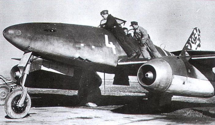 Messerschmitt Me 262a 1a Schwalbe Ekdo 262 Kdo Nowotny Wnr 170061 White 4 Achmer End Of September 1944 No Messerschmitt Messerschmitt Me 262 Fighter Jets