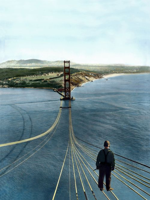 The construction of Golden Gate Bridge