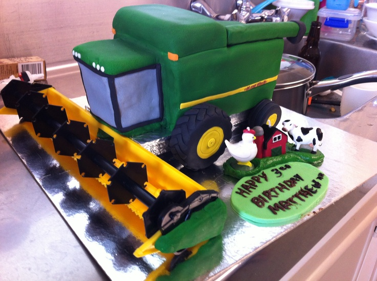 How cool is this! My friend made this combine harvester for her 3 year olds birthday cake.