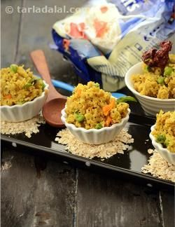 Ideal for diabetics, this fibre-rich upma made with quick cooking oats and enhanced with carrots and green peas, will appeal to others as well. This makes a truly filling breakfast that will keep you going till lunch time.