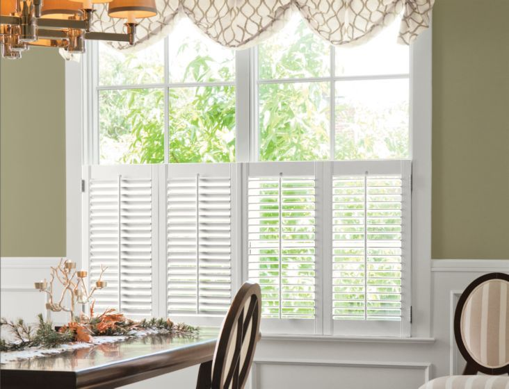 2 Louver Wood Cafe Shutters In Eggshell 13577