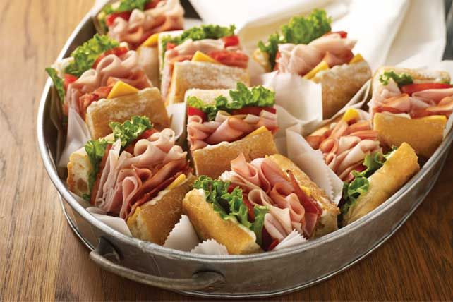 Pack your basket with portable picnic foods! From easy entrées and sandwiches to sides and treats, Kraft Recipes has your picnic food recipes covered.