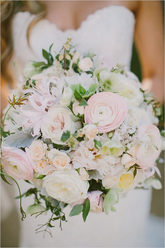 blush wedding bouquet @weddingchicks