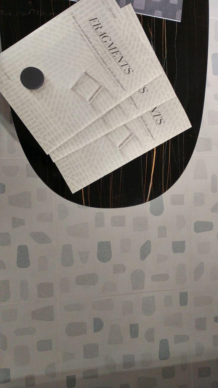 Collezione Fragments di Ceramiche Piemme, design Pierre Charpin nella variante effetto resina, #BreraDisignDistrict #Brera #Fuorisalone2017 #MCaroundSaloni