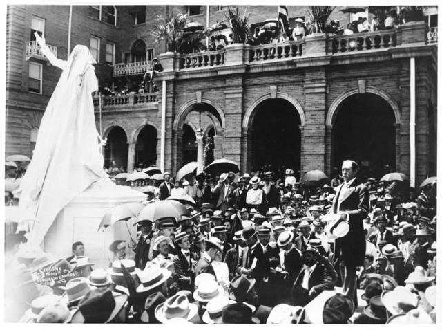 1901 Unveiling of Zebulon Pike Statue with General Palmer giving speech