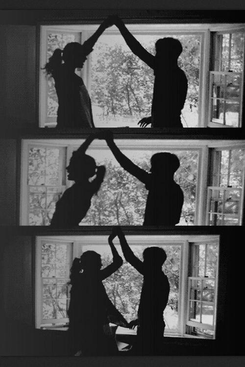 Recuerdo tanto cuando bailábamos y reíamos jutos cuando a mi no me salia jaja te amo amor como kisera q t dieras cuenta de todo