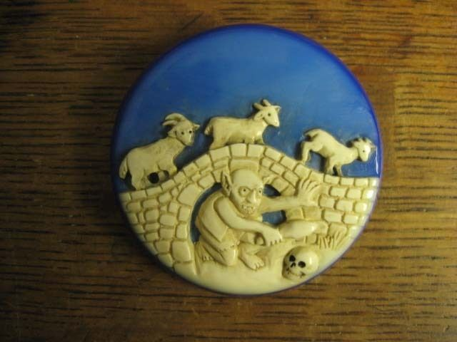 Carved 3 Billy Goats Gruff Button Vintage Bakelite Aramith Troll Fairy Tale Pin