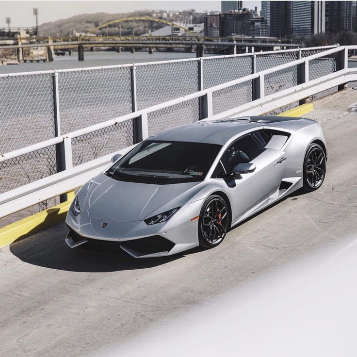 Lamborghini Huracan painted in Grigio Nimbus  Photo taken by: @matthewdesantis on Instagram (@ravi.kartan on Instagram is the owner of the car)