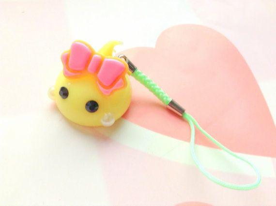 Gelber Hoppe Chan Anime Staub Plug Kawaii Handyanhänger von CreaBia