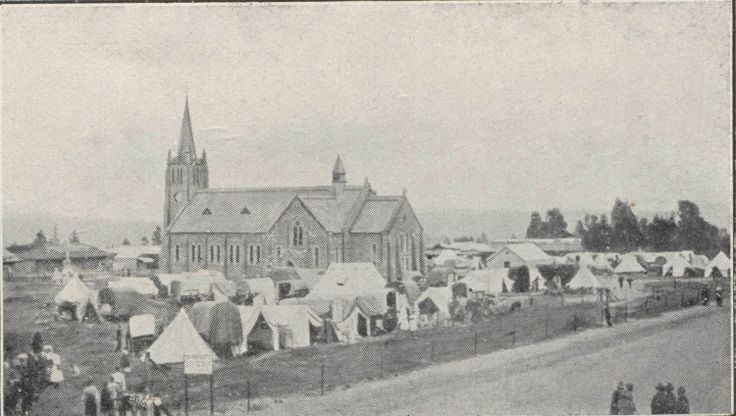 Kerk en Kerkplein in Pretoria in 1890 tydens nagmaalviering.