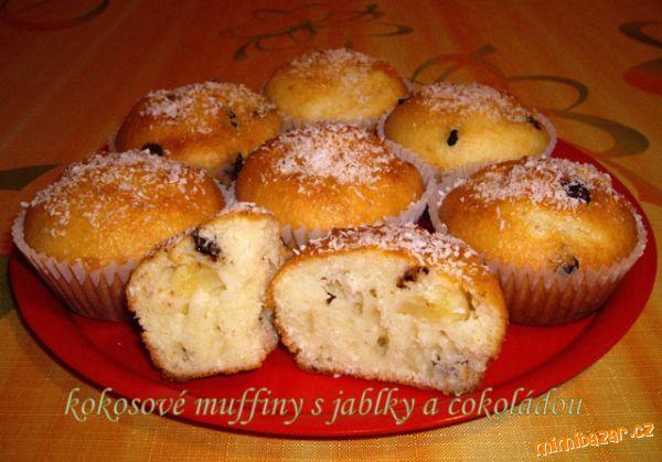 Kokosové muffiny s jablky a čokoládou