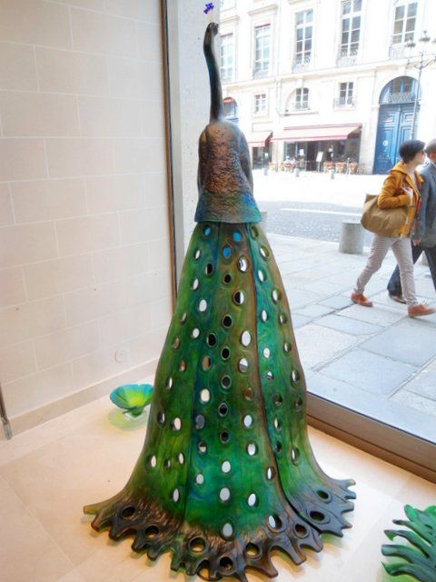 Daum Nancy - Peacock designed by Madeleine van der Knoop, sculptor