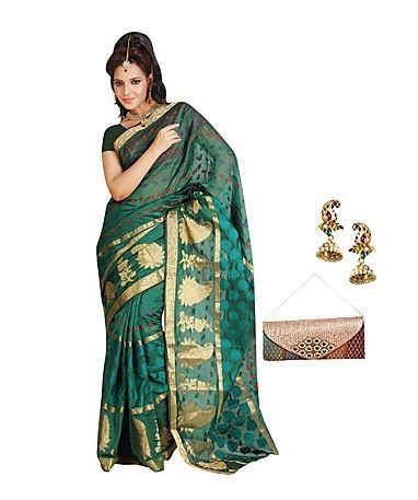 Indiatimes Shopping Offers you where you can Get Designer Saree with Free  Jhumka & Clutch at