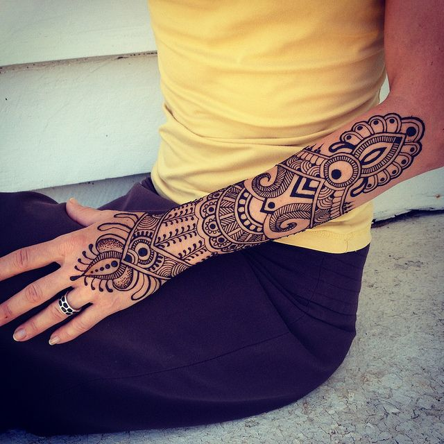 Best 25 henna sleeve ideas on pinterest for Henna tattoo arm designs