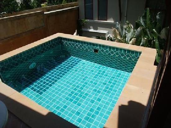 oltre 1000 idee su piscine piccole su pinterest piscina per bambini piscine e disegni piscina. Black Bedroom Furniture Sets. Home Design Ideas