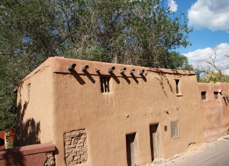 13 best pueblo architecture of northern new mexico images on the devargas street house circa in barrio de analco historic district of santa fe nm is considered among oldest homes in america publicscrutiny Gallery