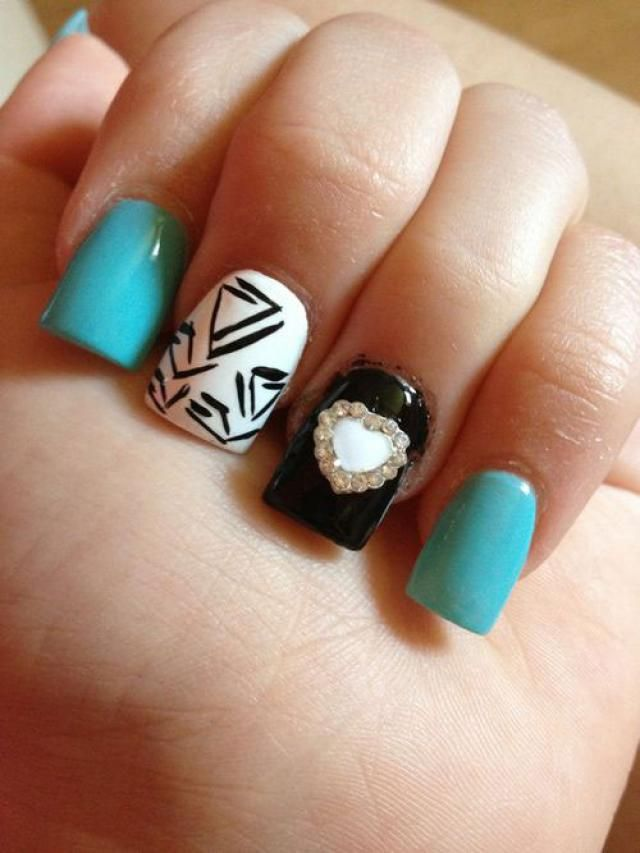 Black And White Acrylic Nail Ideas - http://www.mycutenails.xyz/black-and-white-acrylic-nail-ideas.html