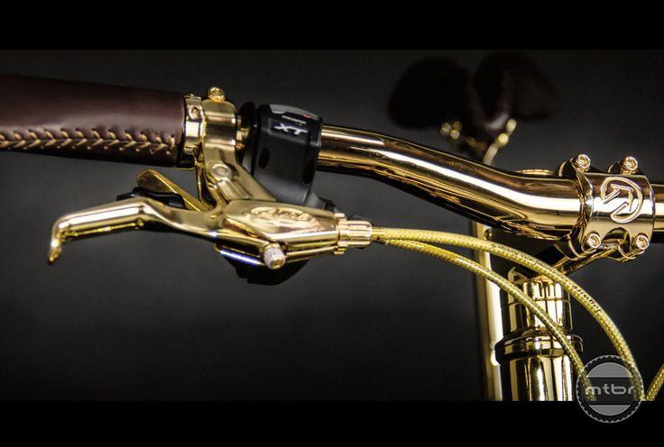 Gold Fat Bike controls