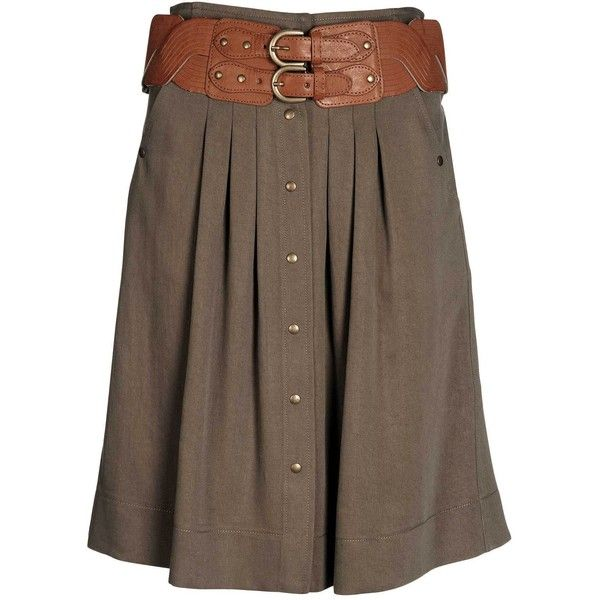 I LOVE the belt with this skirt! The contrasting brown colors make it a statement piece and easily paired with a variety of shoes and tops.