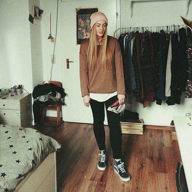 polga, gammellook, vans sk8 hi, skate hi, black jeans, beanie, skate, surf, studentstyle