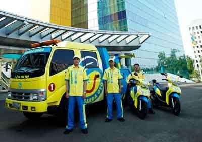 Guna mendekatkan kualitas pelayanan kepada konsumen, Asuransi kendaraan bermotor Garda Oto hadir di empat kota besar di Indonesia. Salah satunya di Pekanbaru. perusahaan asuransi ini berharap bisa lebih dekat dengan pengguna jasanya.