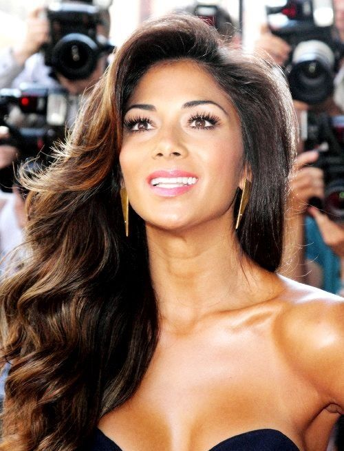 Nicole Scherzinger...her skin is glowing!                                                                                                                                                                                 More