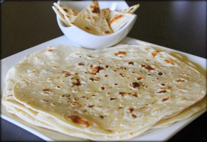 Házi készítésű tortilla lapok recept képpel. Hozzávalók és az elkészítés részletes leírása. A házi készítésű tortilla lapok elkészítési ideje: 18 perc