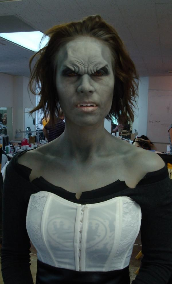 Vampire prosthetics makeup design kohteessa Special Effects & Prosthetics Makeup, Laura Lieffring