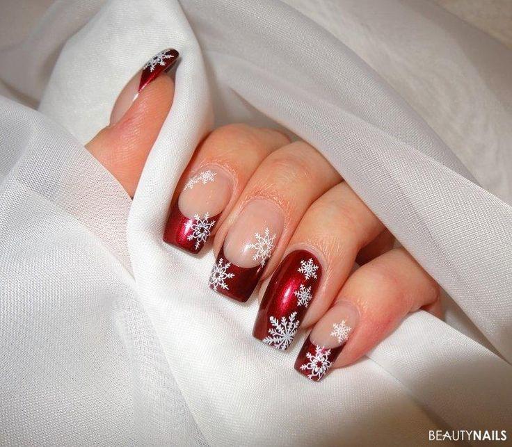 Winterliche Nägel mit Schneeflocken – Nageldesign
