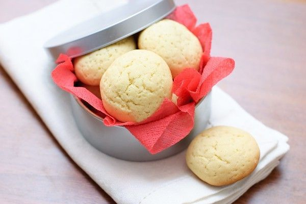 Melt -In-Your-Mouth Shortbread Cookies: easy 4 ingredient #recipe ...