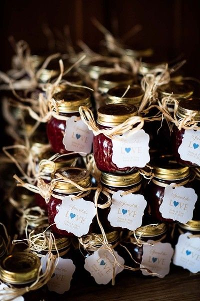 Rustic wedding favor - jars of local jams {Lauren Brown Photography}