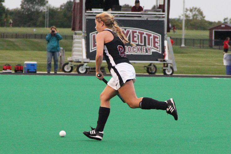#WVFHC mid and Carson Graham Secondary School grad Ami Turner (Sophmore) plays for the Lafayette Field Hockey Team.