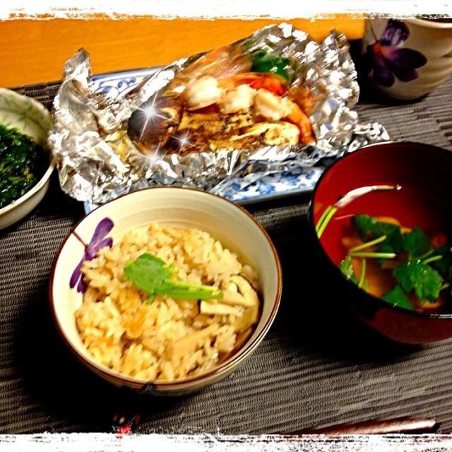 松茸三昧\(^o^)/ 松茸ご飯、松茸のお吸い物、松茸とエビのホイル焼き…モロヘイヤのおひたし…キュウリのぬか漬け 年寄りには丁度いい、サッパリ夕飯でした - 158件のもぐもぐ - 松茸三昧\(^o^)/ by Moko0610