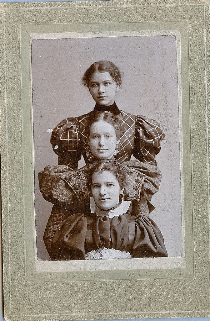 c.1896-97 Stacked young ladies by Kingkongphoto & www.celebrity-photos.com on Flickr