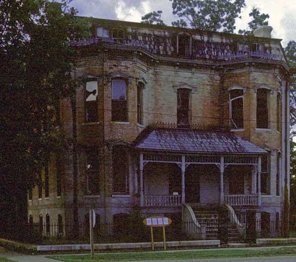 17 best images about southern tara 39 s old southern for Home builders in southern illinois