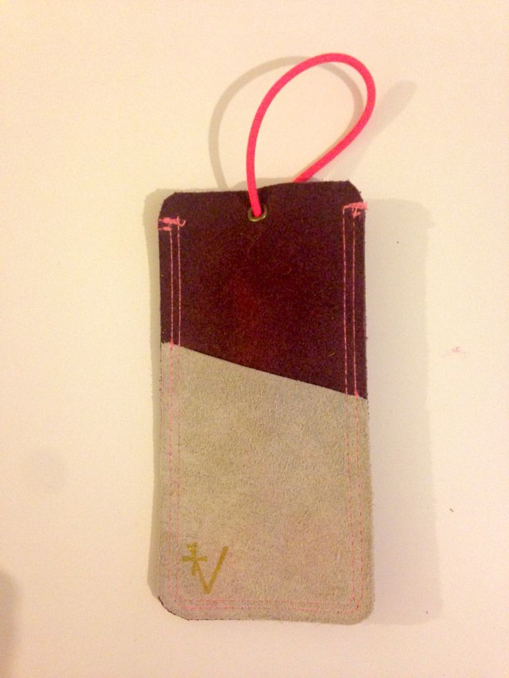 New scrap leather phone cover diy.