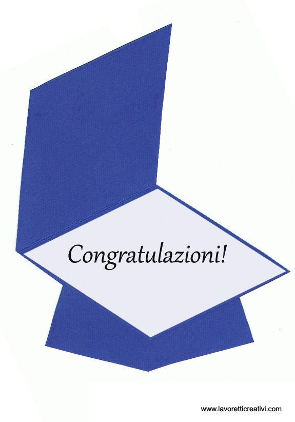 Un tocco-biglietto con la scritta congratulazioni da regalare ai bambini in occasione dell'ultimo giorno di scuola. Sagoma tocco LAVORETTO FINE ANNO SCOLAS