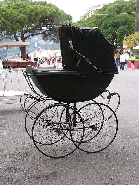 Vintage pram, look at those wheels.  Tom says this looks like the Volkswagon model.