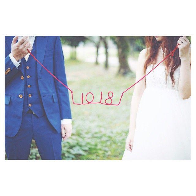 #weddingtbt . . . #懲りずにまだ載せますごめんなさい #前撮り #赤い糸 #10月18日 . . . 気づけば木曜日! 東京から無事に帰りました♡ 楽しかったなぁ〜 . . ディズニーの余韻に浸りながら とりあえず前撮りをpost♡笑 明日編集して写真載せよー♡ . . .  #結婚式 #ウエディング #結婚 #新郎 #新婦 #結婚式の思い出に浸る会 #結婚式を振り返る #wedding #鞘ヶ谷ガーデンアグラス #感謝のウエディング #無事に終わりました #みんなありがとう #中村さんありがとう #写真好きな人と繋がりたい