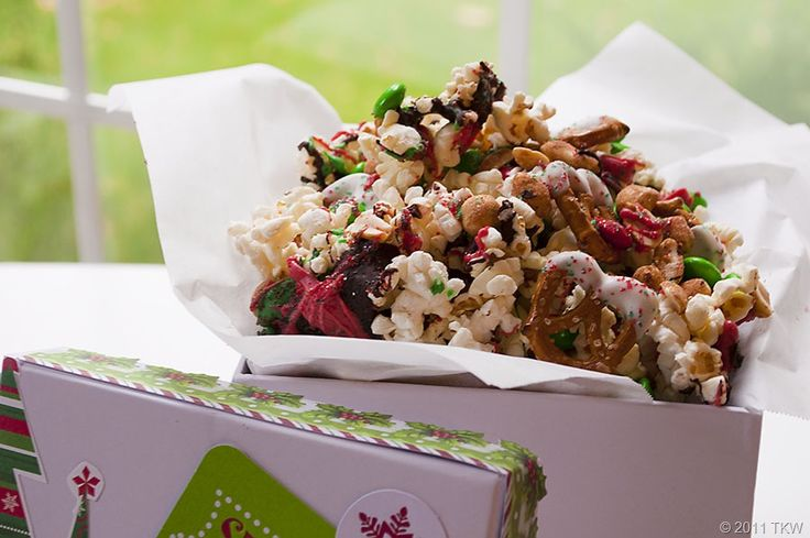 Christmas Popcorn Mix - make sure to sign up with LeAnn Paine before planning on bringing popcorn