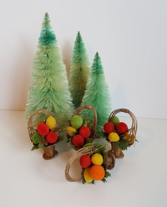Vintage Set of 4 Plastic Christmas Ornaments Basket by RetroEnvy21